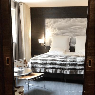 Design intérieur de l'hotel Avenue Lodge  5 etoiles à Val d'Isere, vue de la chambre