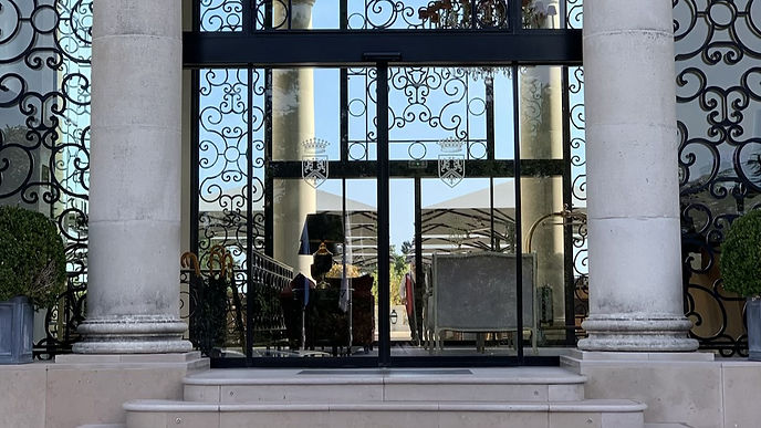 entree-chateau-hotel-mont-royal-chantill