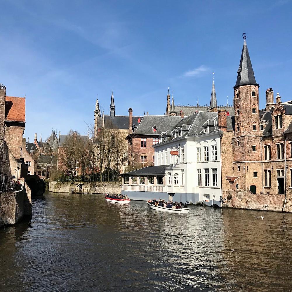 Rozenhoedkaai, Bruges romantique