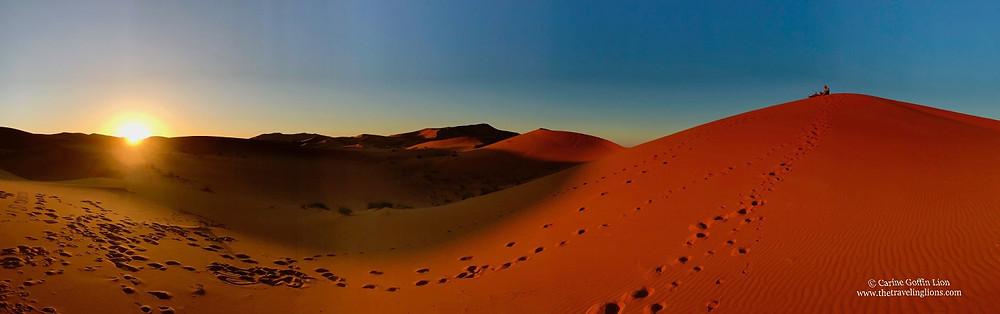 lever de soleil sur le desert de dunes de Merzouga