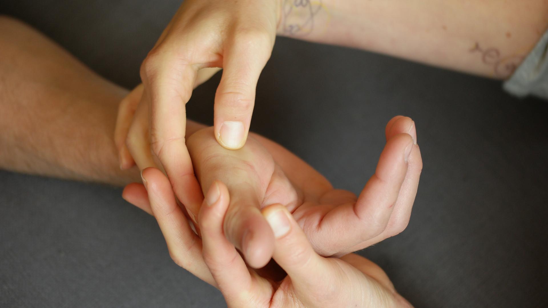 Handreflexzonen Therapie Fabienne Aia Maurer