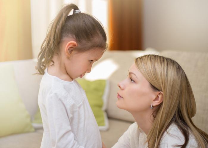 secret de famille, systémie, intervention, prise en charge, famille, enfant, adolescent, loyauté, non dit, dialogue, inceste, abus, violence conjugale, maltraitance