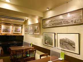<灯せる喜び...ギャラリーはペン画田村彰浩先生の作品展示中!>