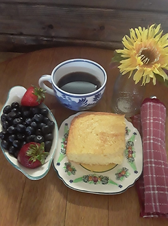 Cornbread and berries.png