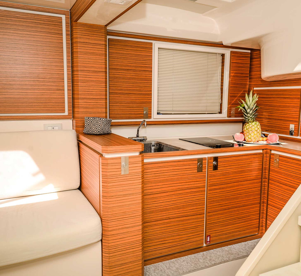 yacht_service_sardinia_itama_40_8.jpg