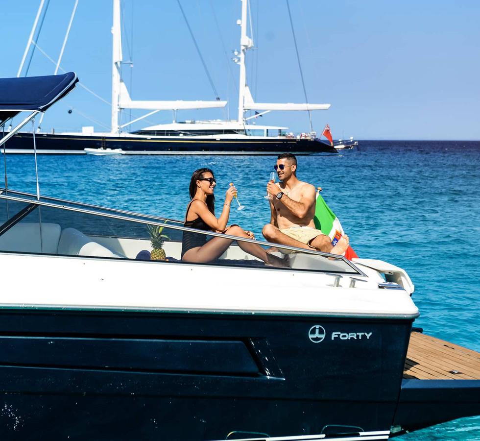yacht_service_sardinia_itama_40_4.jpg