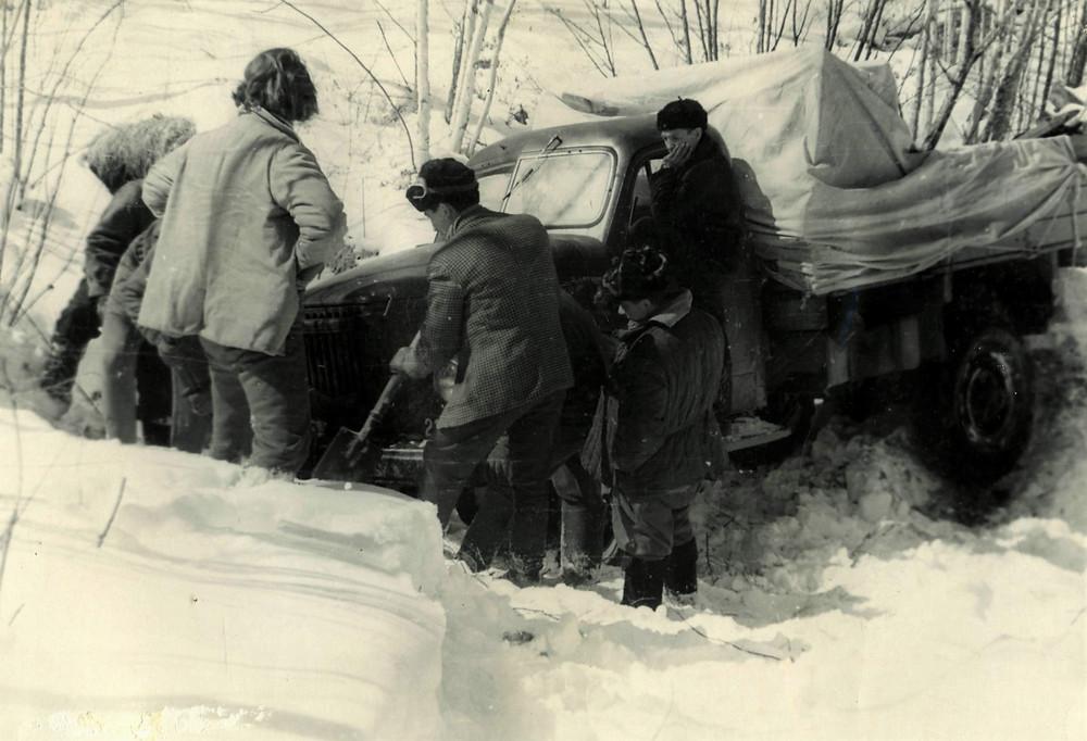Машина застряла в снегу| skitour.club| Блог Сергея Чеботова