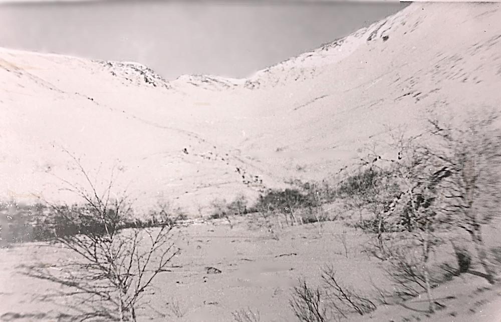 В верховьях руч. Водопадный раздваивается, правый распадок пер. Мирамис (№1, рис.4) ведет в долину р. Курайгагна.