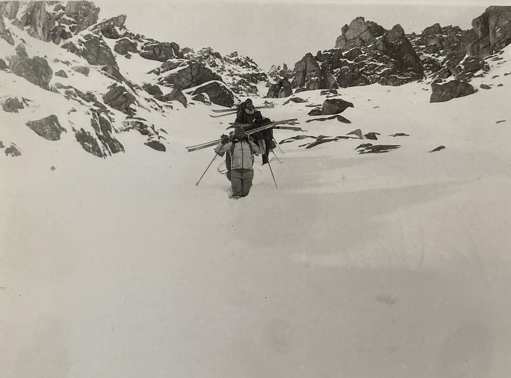 Спуск с перевала Аюмкан| skitour.club| Блог Сергея Чеботова