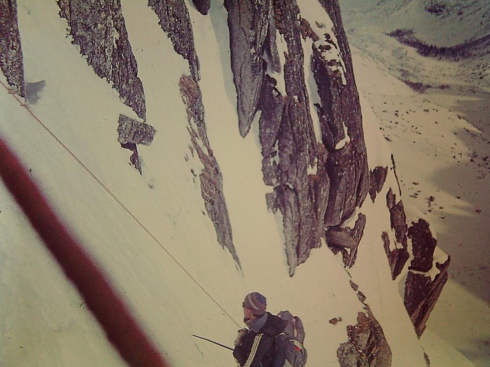 Подъем по кулуару — Туристический поход в район хребта Дуссе-Алинь 1986 год — Блог Сергея Чеботова