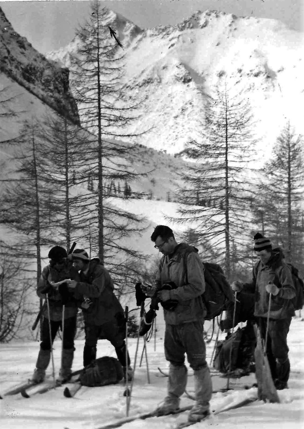 Вид на гору Город Макит  skitour.club  Блог Сергея Чеботова