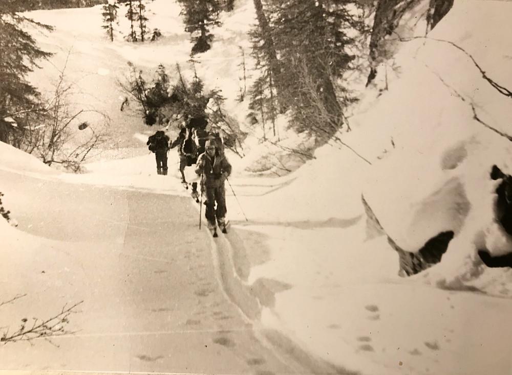 Каньон перед озером Корбохон — Туристический поход в район хребта Дуссе-Алинь 1986 год — Блог Сергея Чеботова