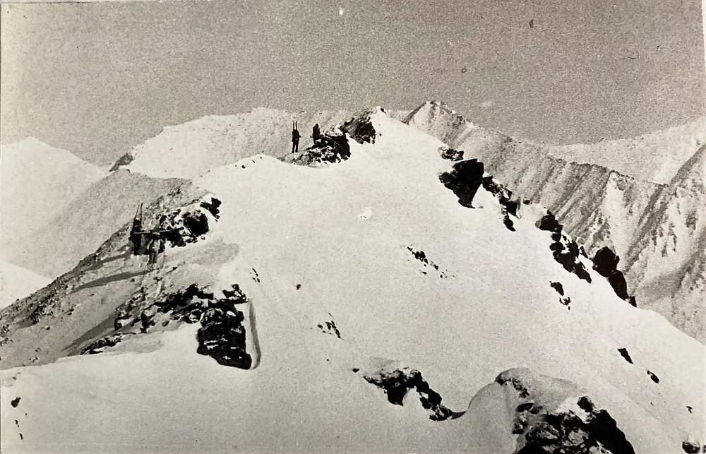 Подъем по гребню на перевал Радуга| skitour.club| Блог Сергея Чеботова
