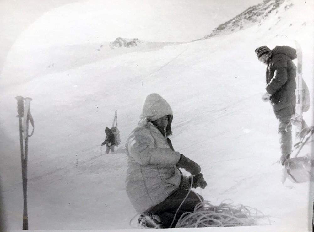 Спуск с перевала Шатер| skitour.club| Блог Сергея Чеботова