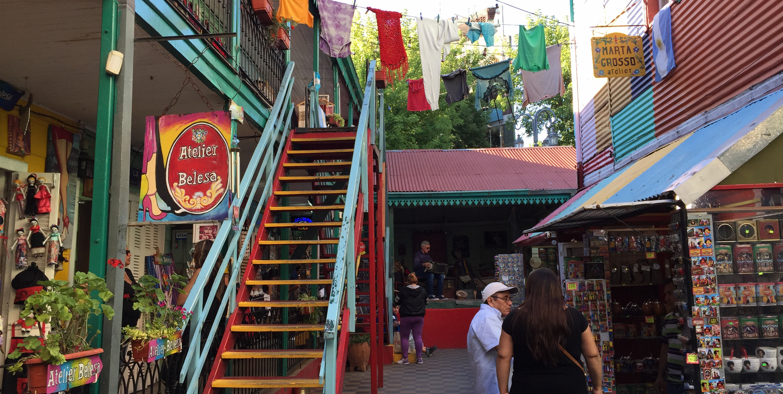 Туристическая улица Каминито в районе Ла-Бока — Буэнос-Айрес — Блог Сергея Чеботова