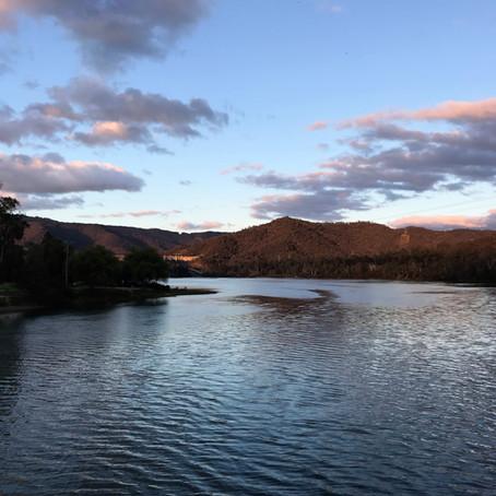 Озеро Эйлдон - крупнейшее водохранилище Австралии.
