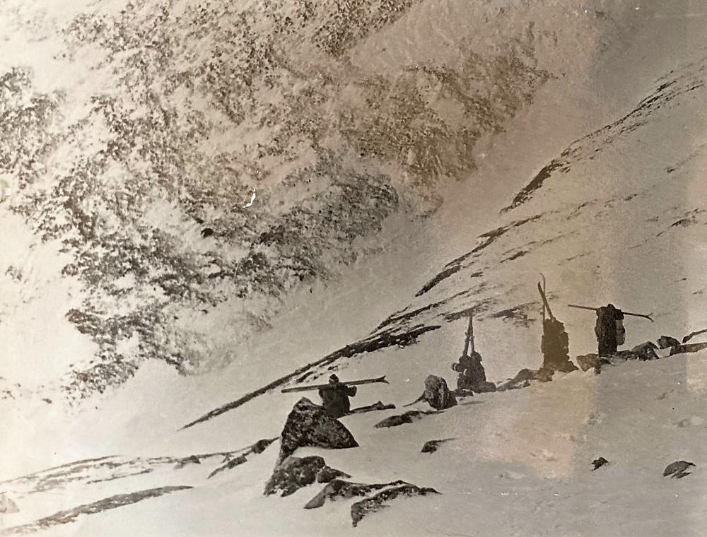 Спуск с перевала Уютный| skitour.club| Блог Сергея Чеботова