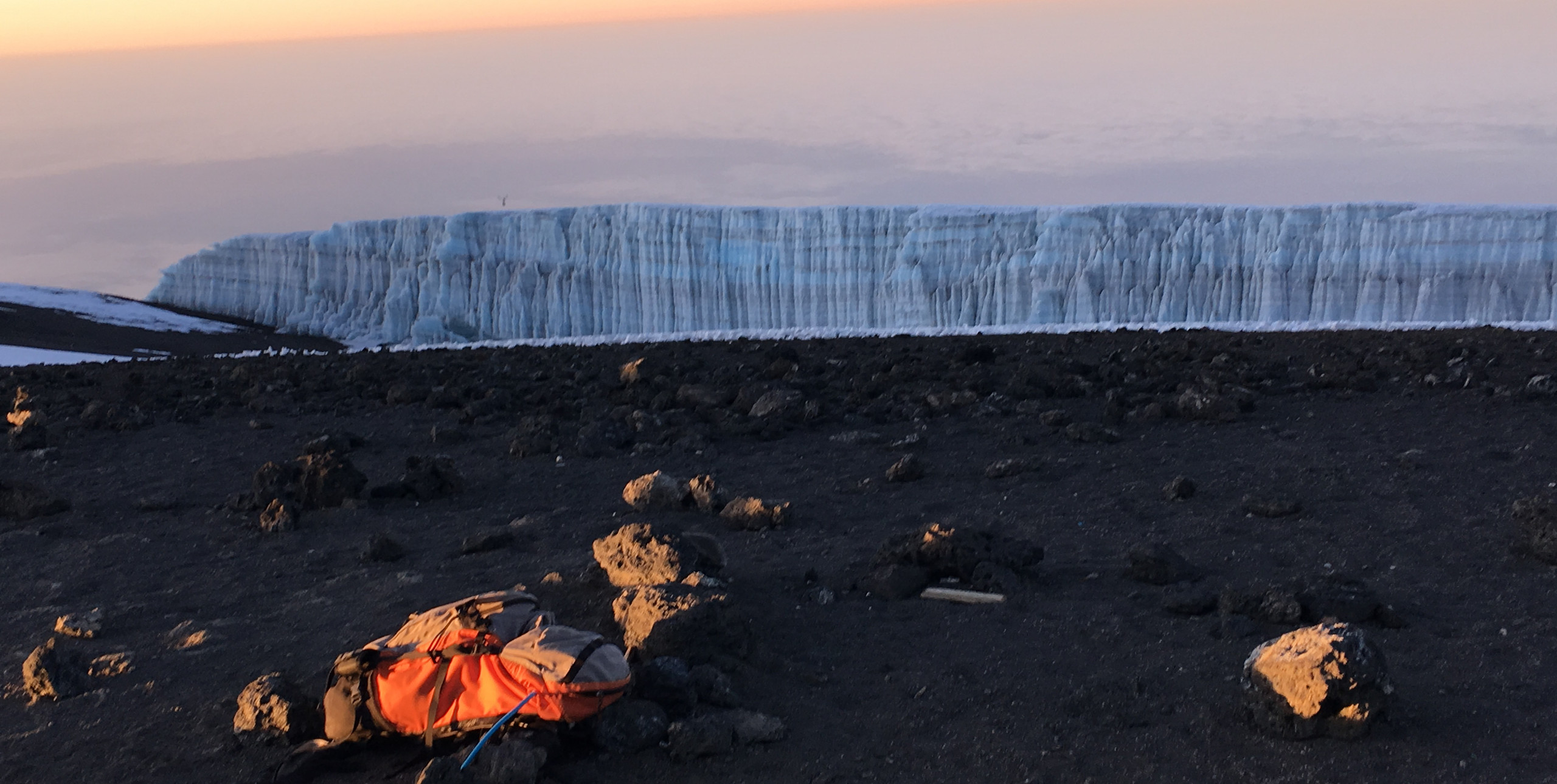 Ледники Килиманджаро на рассвете