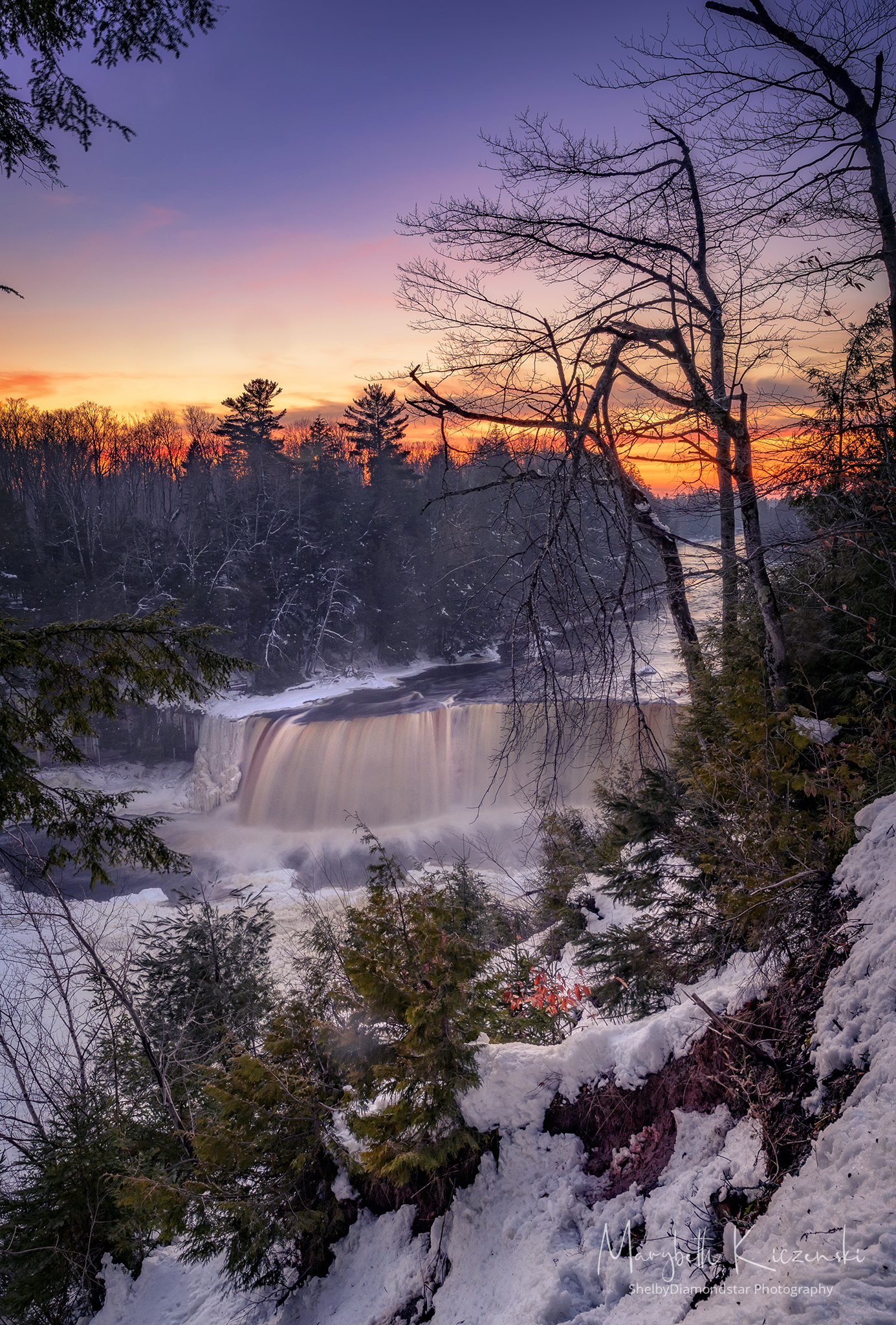 Tahquamenon Falls - Winter