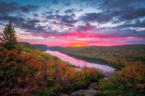 Lake of the Clouds - Autumn Sunrise