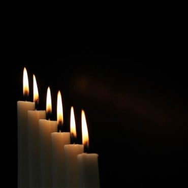 Electronic Manipulation Candles