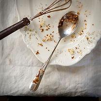 Plate avec un gâteau Crumbs