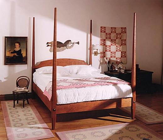 Pencil-post bed