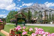 111_Summer_Rocky_Mountain_Resort_Exterio
