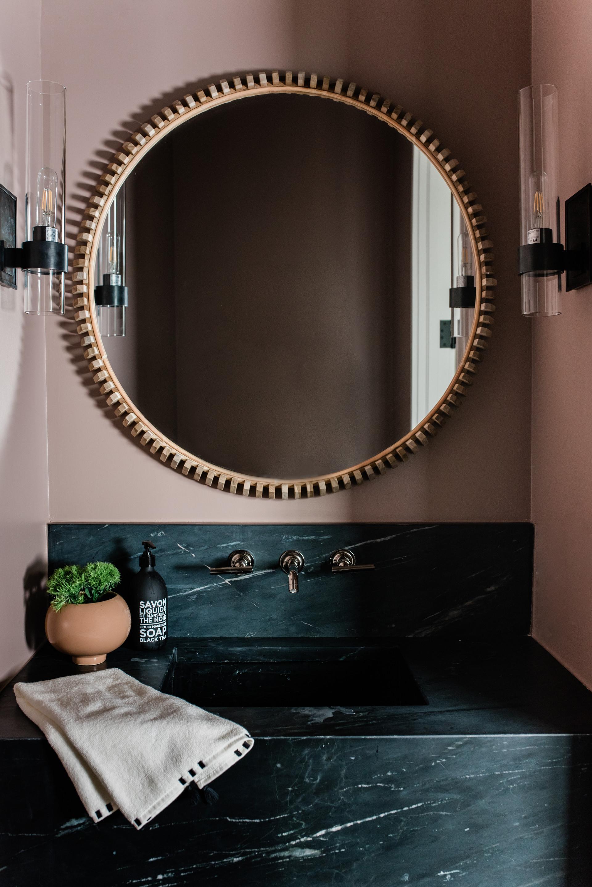 BJ-Porchers-Bluff-pink-bath-7.jpg