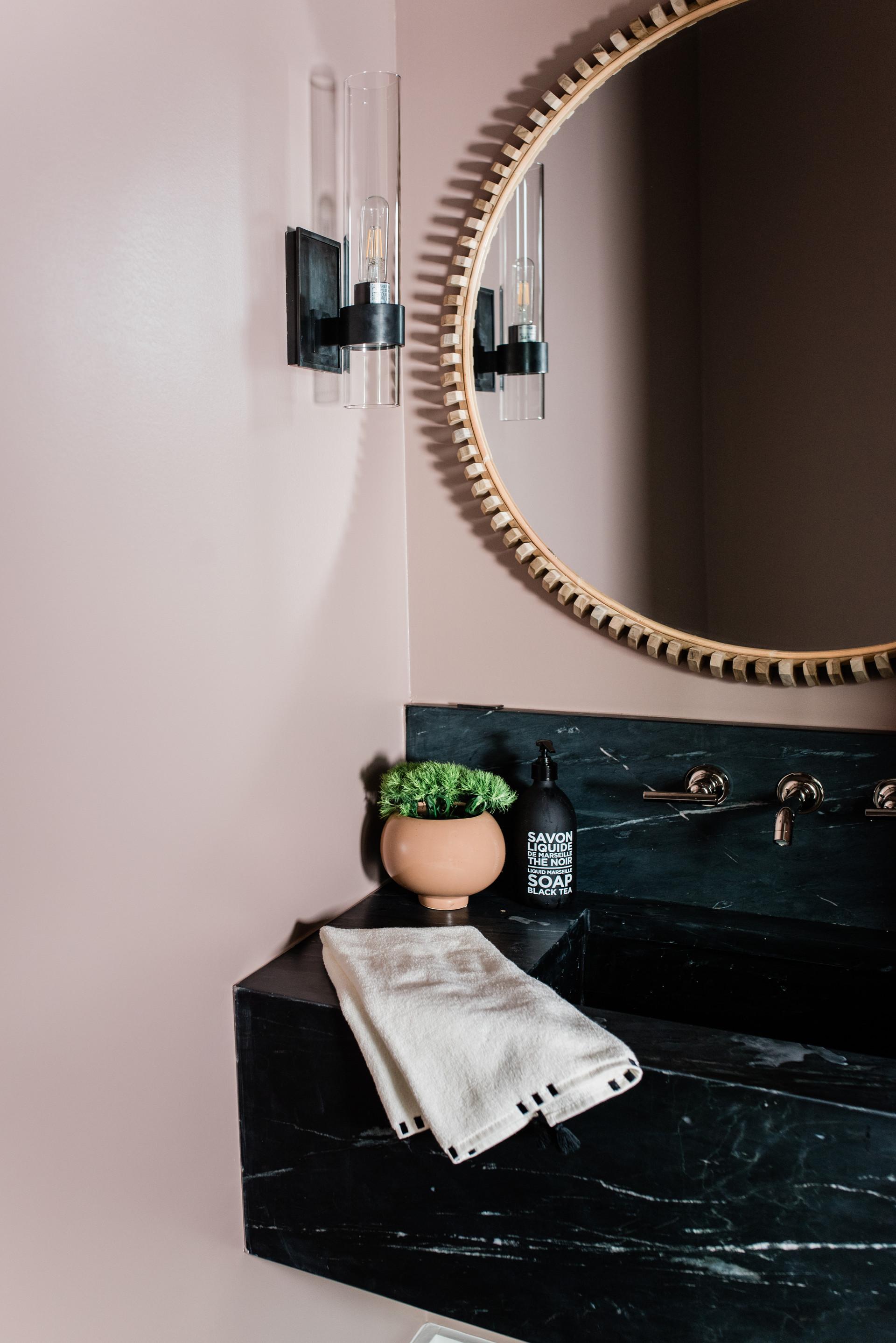 BJ-Porchers-Bluff-pink-bath-1.jpg