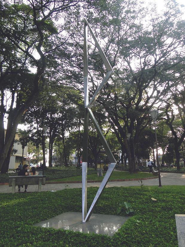 25 Símbolo dos 400 anos da fundação de Guarulhos (1960) IV Centenário, Praça Getúlio Varga