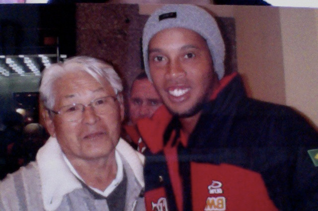 Fumio e Ronaldinho Gaúcho