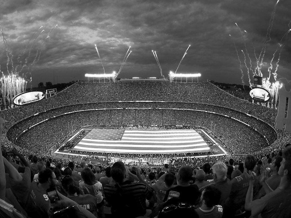 Stadium_006-2_edited.jpg