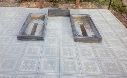 Укладка плитки на могиле