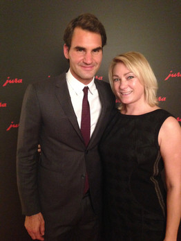 Olga Niklikina | Roger Federer beim Jura Kaffeemaschinen Event