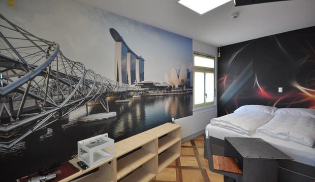 BS16 Hotel Bern Zimmer 9 - Singapur Skyline | Lichtspektakel - BS16