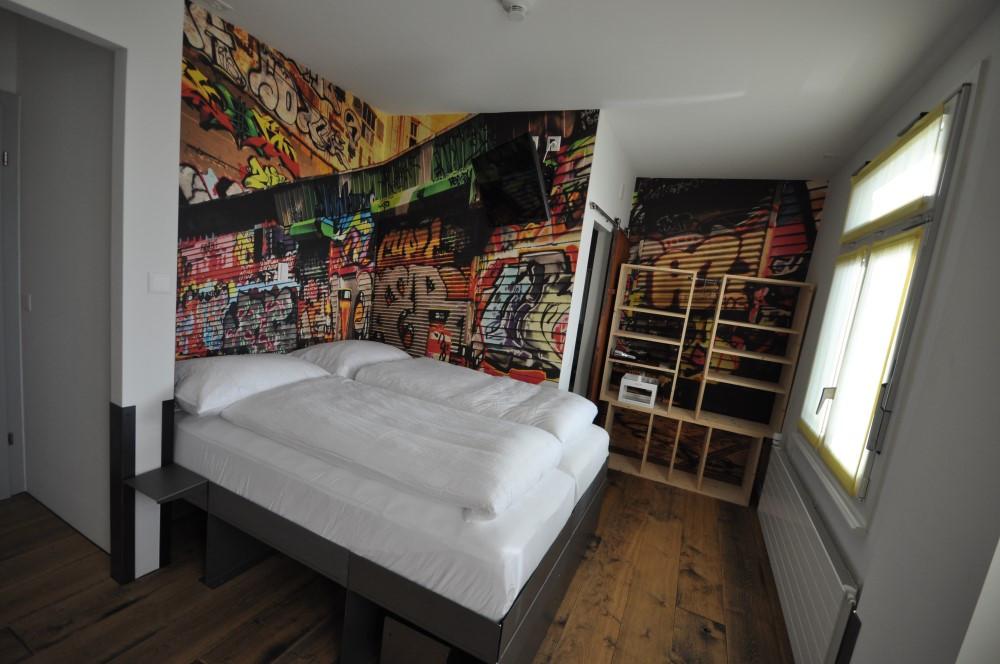 BS16 Hotel Bern Zimmer 11 - New York Graffiti - BS16