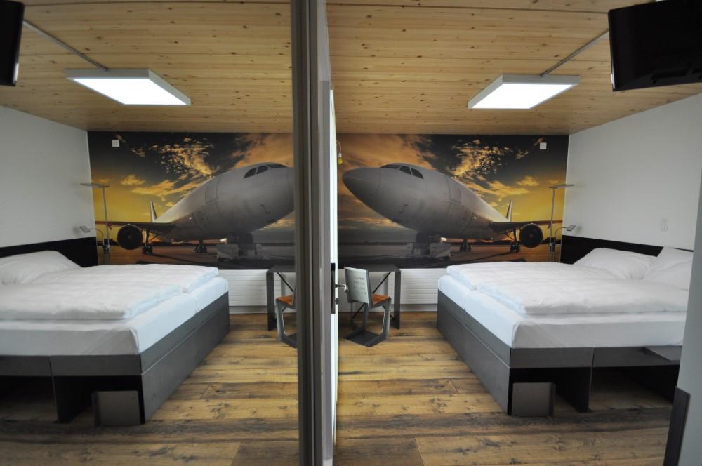 BS16 Hotel Bern Zimmer 19 - Jet   Flugzeug - BS16