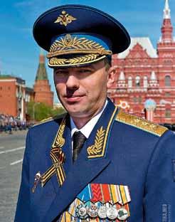 Выпускник 14 роты 1990 года генерал-полковник Садовенко Ю. Э. – заместитель Министра обороны РФ – руководитель Аппарата Министра обороны РФ