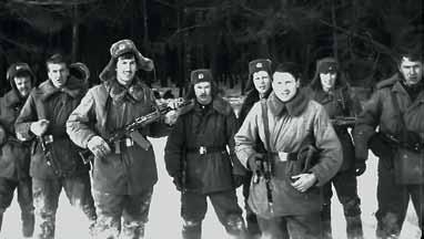 Курсанты 1 взвода 14 роты на занятиях по ТСП. 1984 год. 3-й слева сержант Ковтун В. П. в 1987 году