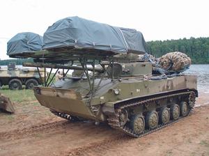 Боевая машина десанта БМД-4М со средствами десантирования по-походному. 90 лет ВДВ