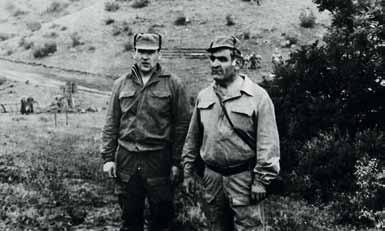 Командир 5 батальона полковник Мартиросян Ю.А. и командир 13 роты Титов В.П.
