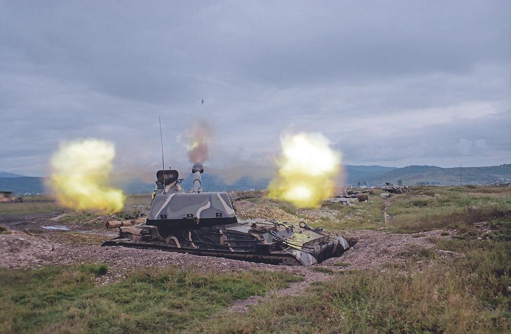120-мм самоходное орудие 2С9 «Нона» на огневом рубеже