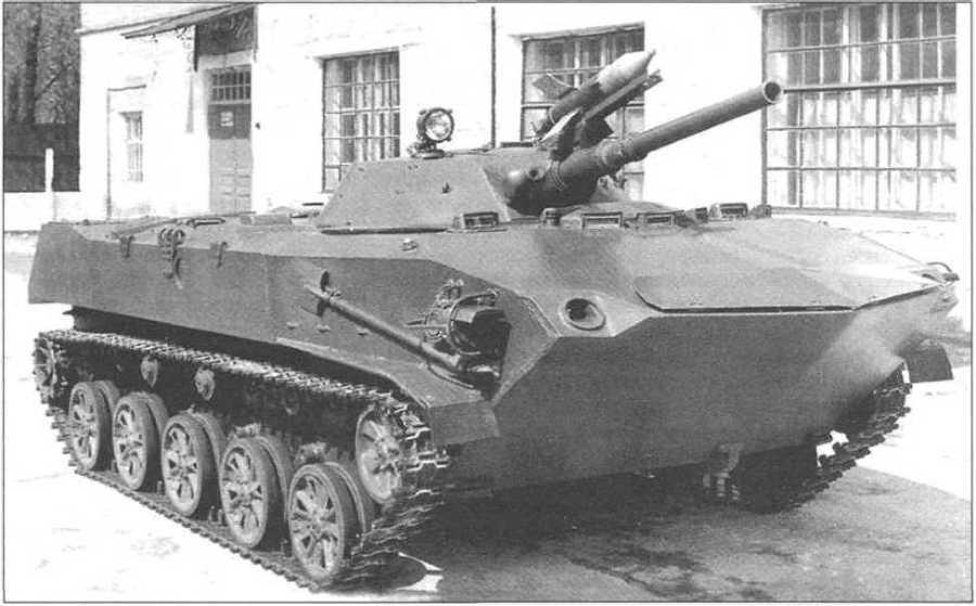Боевая машина десанта БМД-1 ранних выпусков. 90 лет ВДВ