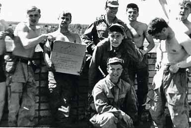 3 взвод 14 роты 1990 года выпуска на хозработах. Второй слева – курсант Садовенко Ю.Э., ныне генерал-полковник, Заместитель Министра обороны РФ