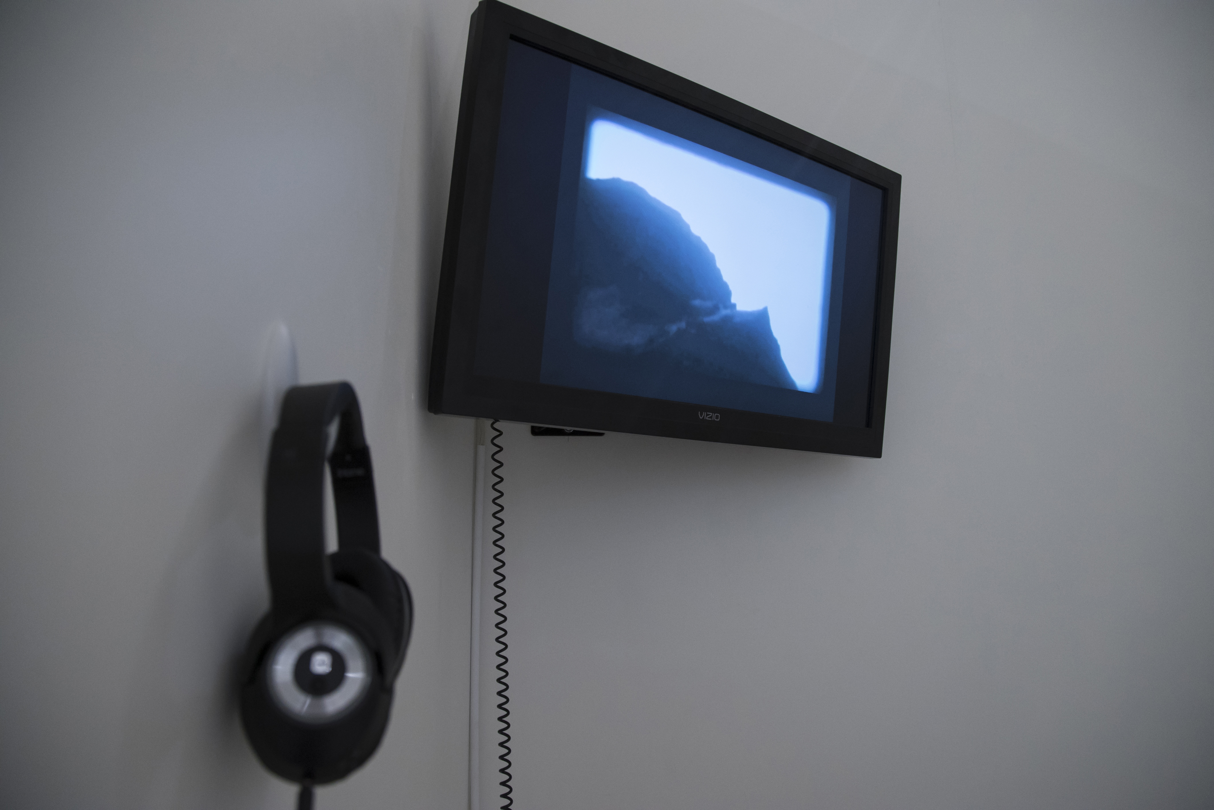 Witness (05:07 minutes), 2010-2011
