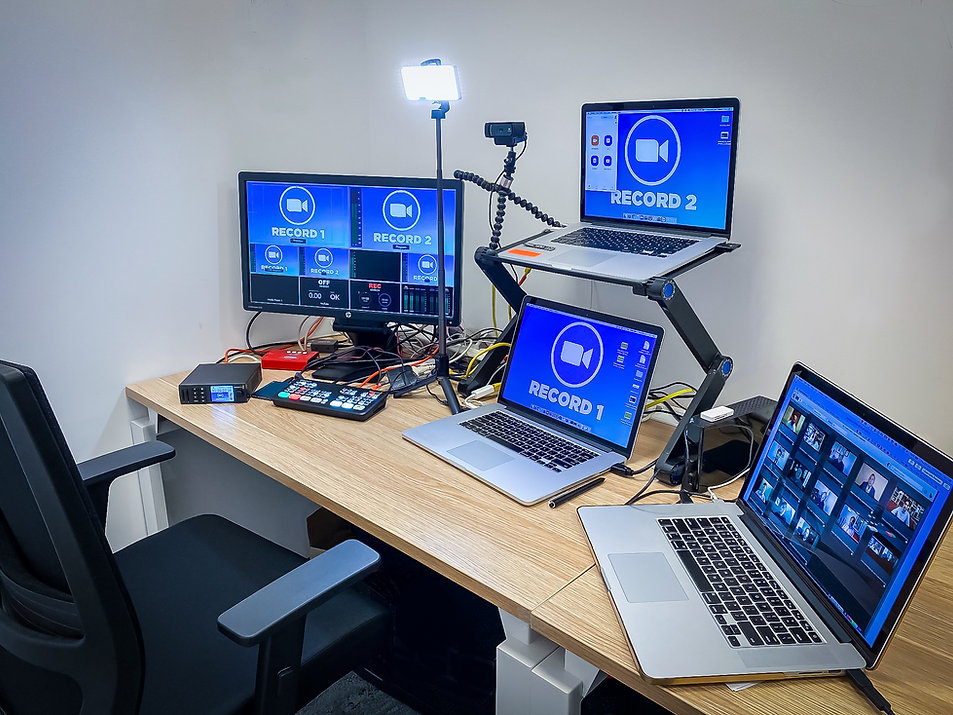 Zoom Studio_The_Palms_Agency_-2.jpg