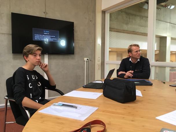 In vergadering met Leo Alkemade