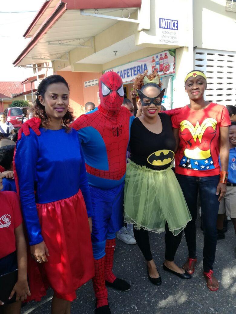 Spider woman and man , batwoman, wonder