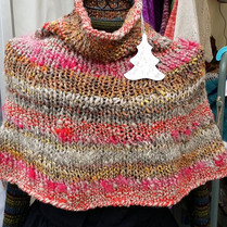 Chauffe épaule en laine filée main et tr